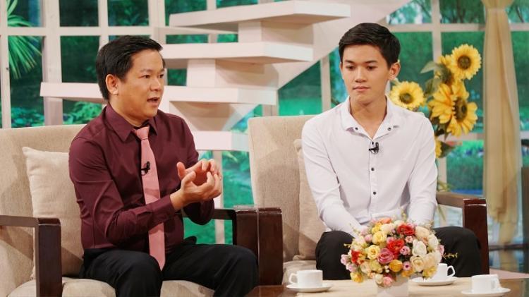 Bác sĩ Tú Dung chia sẻ về quá trình phẫu thuật hàm móm của Khánh Du.