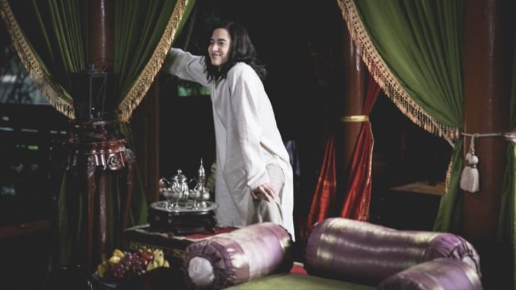 James Jirayu: Nỗi khiếp sợ của các bạn diễn nữ, bài toán đau đầu đối với đạo diễn vì quá… xinh đẹp