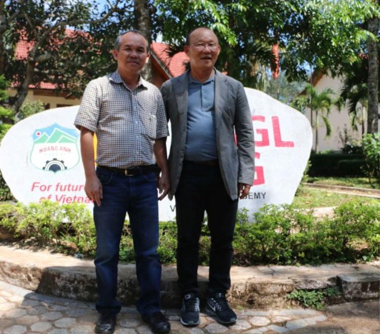 Không có bầu Đức, bóng đá Việt Nam sẽ không thể có HLV Park Hang Seo?