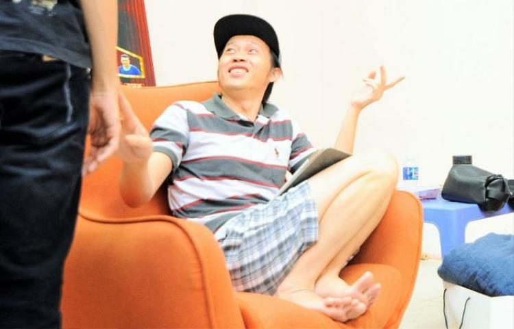Ai ngờ, tư thế tạo dáng trở thành thương hiệu riêng của loạt sao Việt đình đám lại như thế này!