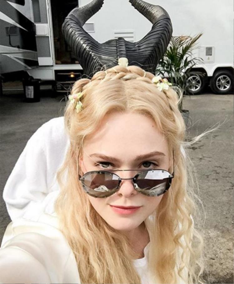 Hình ảnh được lấy từ trang Instagram của Elle Fanning