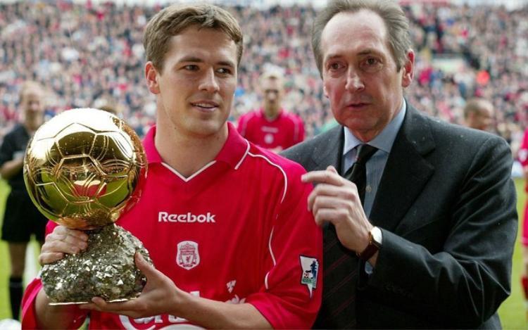 Owen giành Quả bóng vàng năm 2001