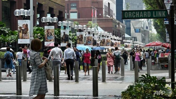 Các cửa hàng tại đường Orchard đã liên tục trình báo cảnh sát nhiều vụ mất cắp quần áo thời gian qua. Ảnh: AFP