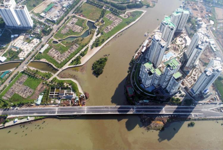 Cầu qua đảo Kim Cương nhìn từ trên cao. Ảnh: Quỳnh Trần.