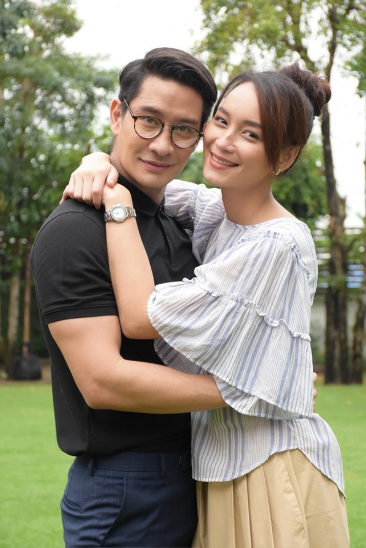 Cặp đôi 'Trận chiến của những thiên thần' sau 10 năm: Pong Nawat ngoại tình với em vợ, Bee Namthip bị cắm sừng