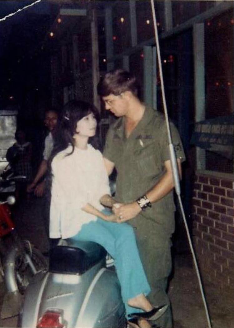 Câu chuyện về hành trình tìm lại người yêu thất lạc 45 năm của ông Reishl từng được báo chí Mỹ và Việt Nam đăng tải cách đây nhiều năm.