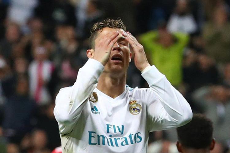Ronaldo cảm thấy thất vọng vì bị Real Madrid đối xử lạnh nhạt.