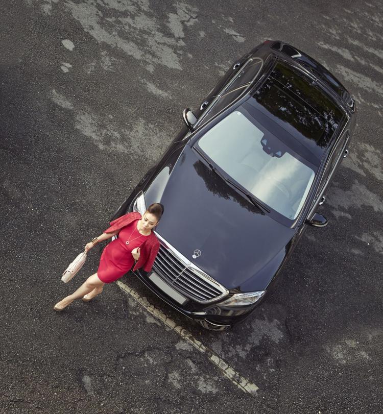 Thu Minh được ông xã tặng chiếc Mercedes-Benz S-Class giá 7 tỷ này vào cuối năm 2013.