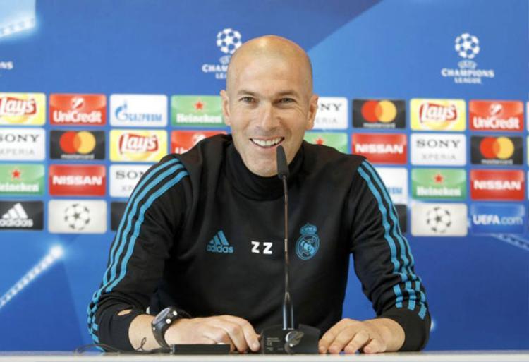 NÓNG: HLV Zidane bất ngờ chia tay Real trên đỉnh vinh quang