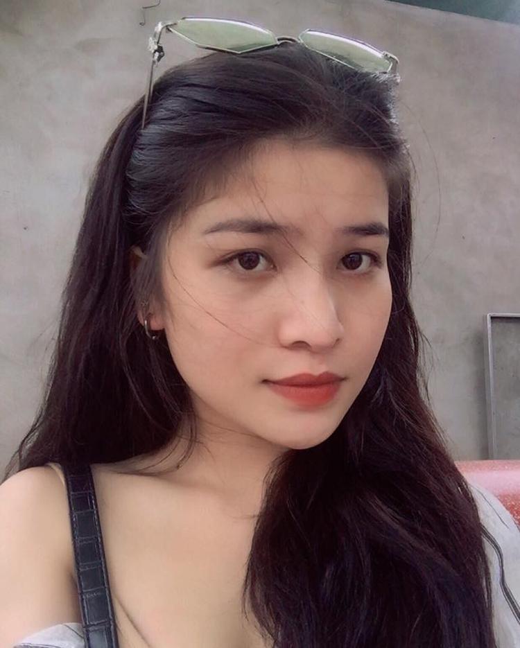 Hình ảnh đời thường xinh đẹp của Cẩm Thư.