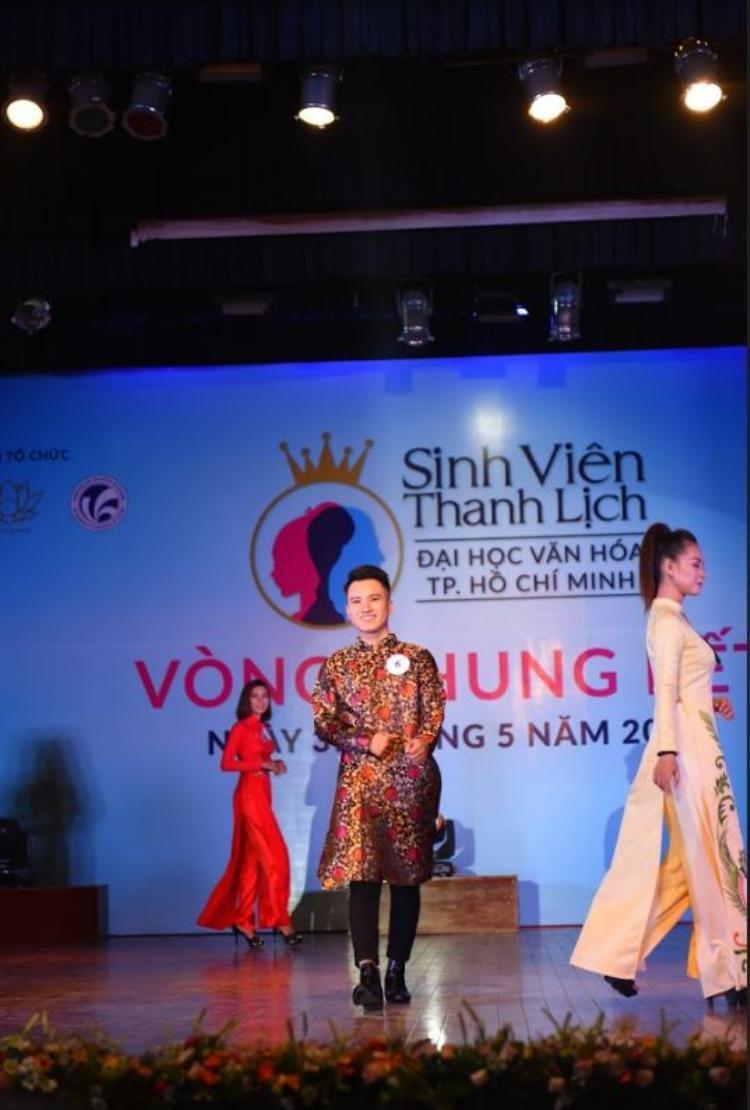 NTK Cao Hùng đã tài trợ cho đêm chung kết Sinh viên thanh lịch toàn bộ trang phục dạ hội và áo dài.