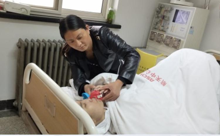 Mặc dù có tủy tương thích với cha nhưng cha Triệu Tinh không đồng ý hiến tủy cho cô.
