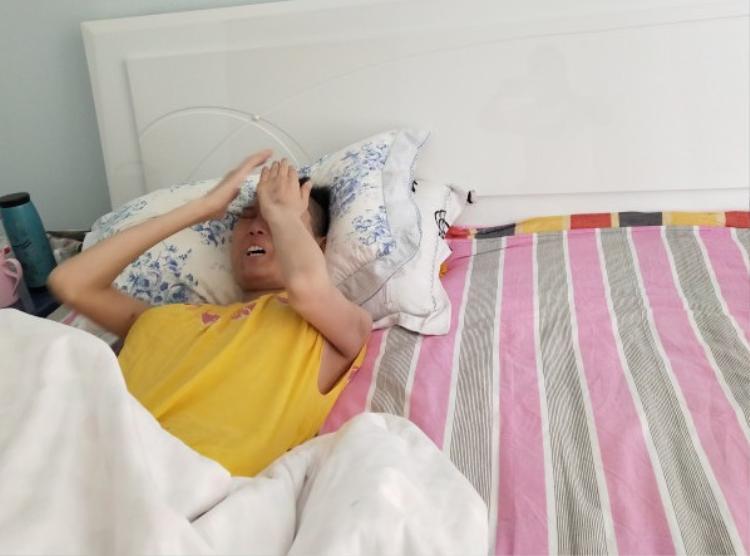 Mỗi ngày, Triệu Tinh đều bị bệnh tật hành hạ.
