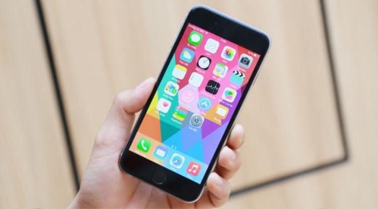 Mặc dù có nhiều lỗi vặt nhưng iPhone lock vẫn từng một thời gây sốt tại Việt Nam nhờ giá tốt.