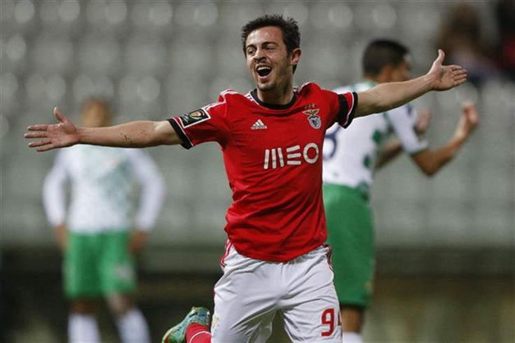 Bernardo Silva chỉ được thi đấu vài trận trước khi bị bán đi vì thể hỉnh mỏng cơm.