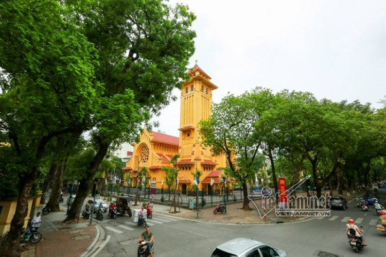 Nhà thờ Cửa Bắc tọa lạc trên phố Phan Đình Phùng, quận Ba Đình