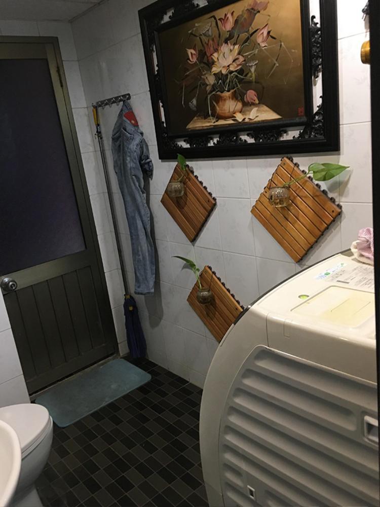 Cây xanh được sử dụng trong nhà tắm cho cảm giác thanh mát, sạch sẽ.