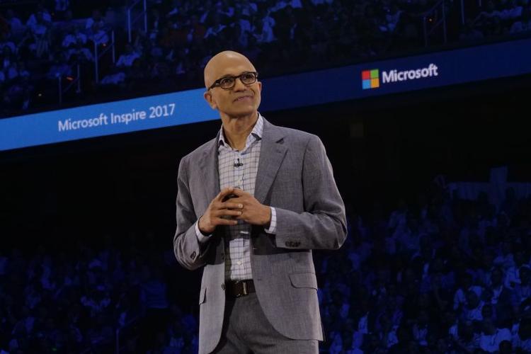 """Người đứng đầu Microsoft Satya từng chia sẻ mục tiêu """"táo bạo"""" và """"rộng khắp"""" của hãng này là mang AI đến cho tất cả mọi người."""