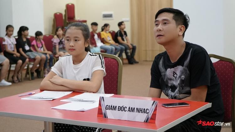 Sau buổi tuyển sinh ở TP.HCM, giám đốc âm nhạc Hồ Hoài Anh tiếp tục xuất hiện tại vòng casting The Voice Kids 2018 khu vực Hà Nội. Bên cạnh tấm vé vào vòng trong, anh cũng đưa ra những lời khuyên hữu ích cho các thí sinh.