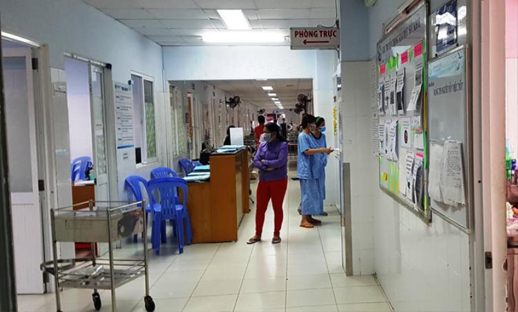 Khu Nội soi tầng 5 bệnh viện Từ Dũ cách ly 80 người có triệu chứng cúm A H1N1. Ảnh: Phú Mỹ