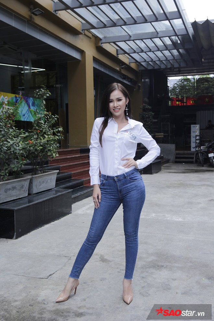 Gây chú ý không kém cạnh các thí sinh nam, Nguyễn Thị Thanh Trang tới từ TP. HCM có chiều cao cùng hình thể chuẩn.