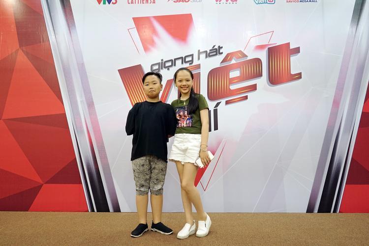 Bên cạnh Nhật Minh, Quốc Thái, Á quân The Voice Kids 2017 Hoài Ngọc cũng có mặt trong buổi tuyển sinh. Gặp lại đồng đội Quốc Thái, Hoài Ngọc có màn song ca Hủ tiếu gõ - ca khúc cả hai từng trình bày cùng team Soobin Hoàng Sơn trong đêm chung kết The Voice Kids 2017.