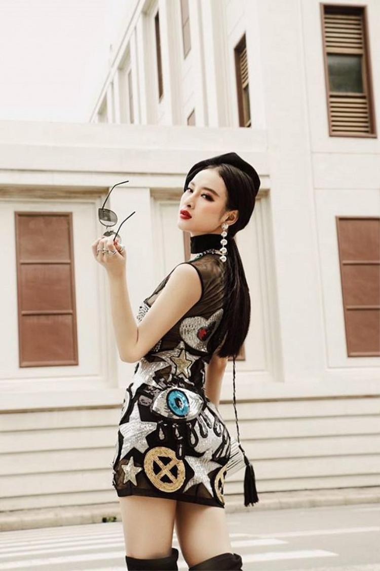 Thật không ngoa khi nói Angela Phương Trinh chỉ cần diện váy bodycon cũng đủ làm say lòng người nhìn.
