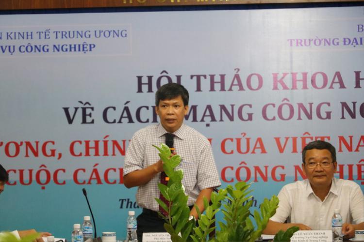 """Hội thảo khoa học """"Chủ trương, chính sách của Việt Nam chủ động tham gia cuộc cách mạng công nghiệp 4.0"""" do Ban Kinh tế Trung ương phối hợp với Trường ĐH Mở TPHCM tổ chức nhận được sự quan tâm của nhiều chuyên gia."""