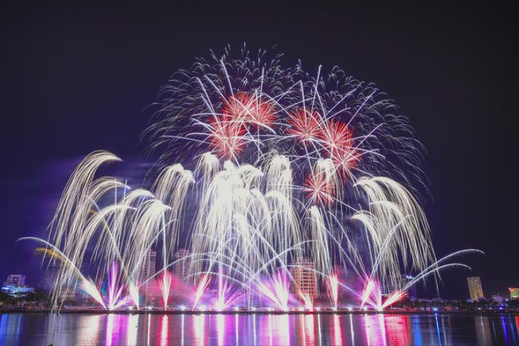 Màn trình diễn đặc sắc của đại diện đến từ đại diện Hong Kong .