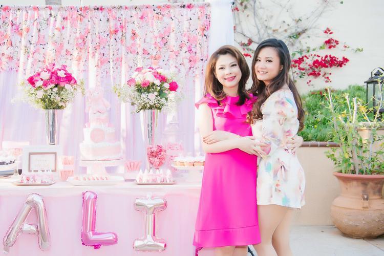 Thanh Thảo bày tiệc Baby shower chào đón con gái đầu lòng