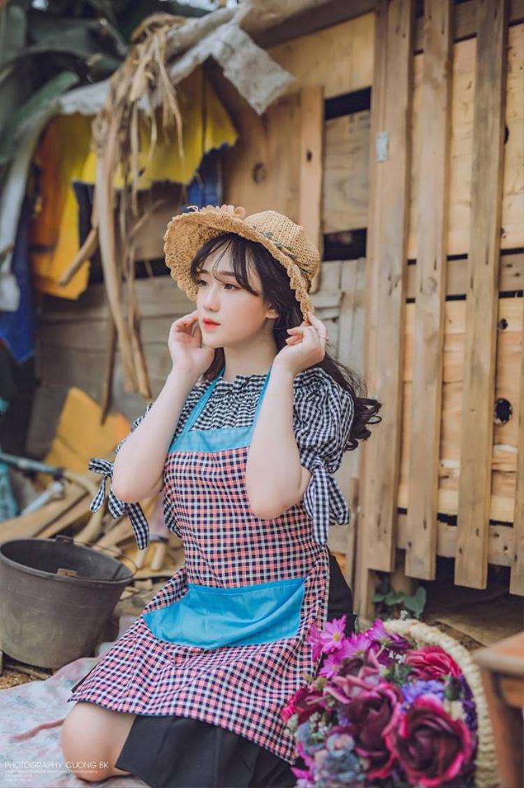 Nghe hotgirl ảnh thẻ vạn người mê kể về ước mơ học ngành Luật và thu nhập 20 triệu đồng/ tháng từ nghề làm mẫu ảnh