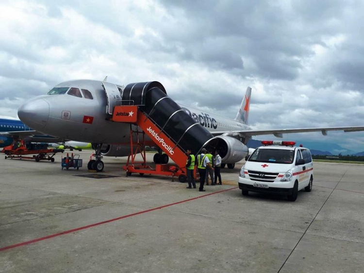 Máy bay khẩn cấp hạ cánh ở Đà Nẵng.