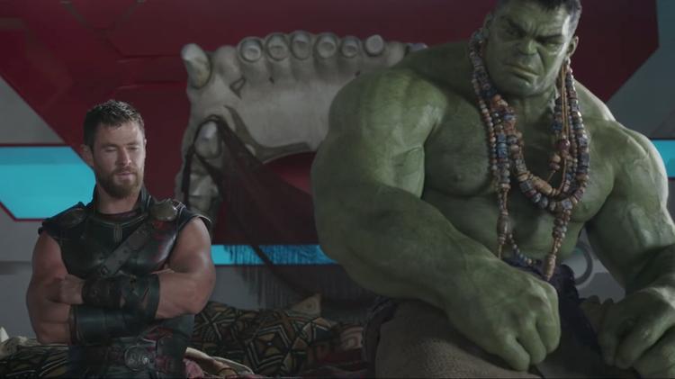 Chris Hemsworth nói gì về 3 anh chàng Chris khác của Hollywood và việc Mark Ruffalo lộ nội dung phim?