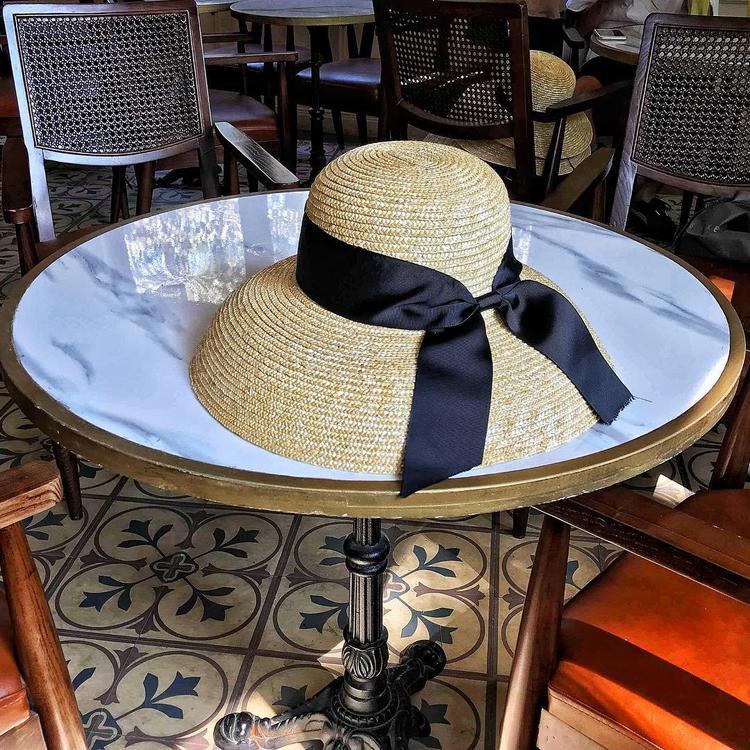 Vừa chống nắng vừa giúp bạn lên ảnh cực lung linh, đây là 2 kiểu mũ cói trendy nhất định bạn phải sắm trong hè này