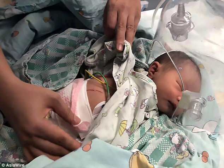 Hiện em bé đã được điều trị tại bệnh viện với tình trạng ổn định. Ảnh: AsiaWare