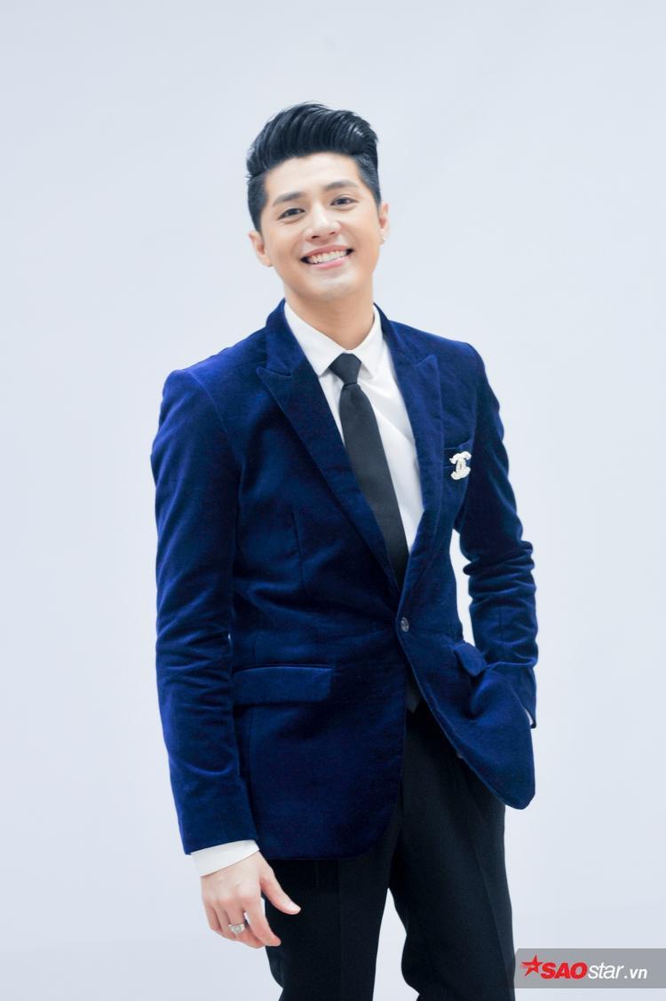 Noo Phước Thịnh bảnh bao tại hậu trường Vòng Đối đầu The Voice 2018.