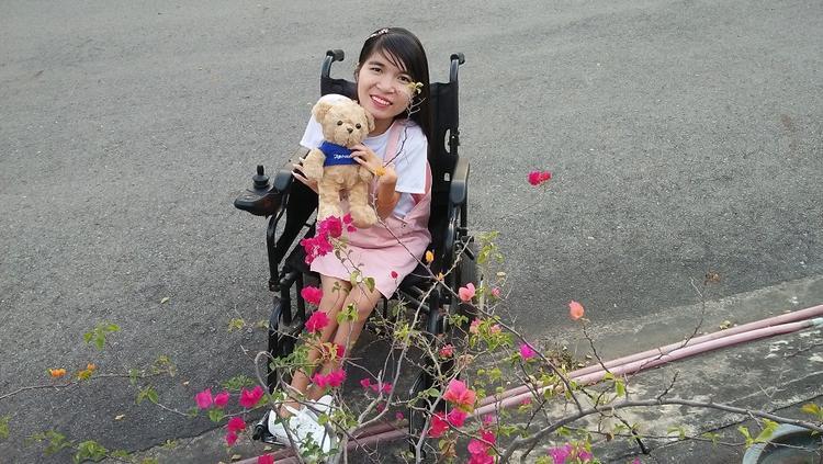 Nguyễn Thị Huyền đạt giải thí sinh có phần thi viết tốt nhất.