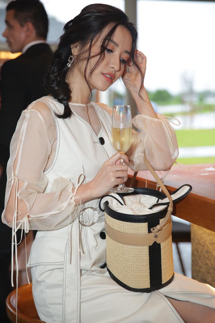 Nghi án Phan Anh trở thành soái ca của Bích Phương trong MV mới?