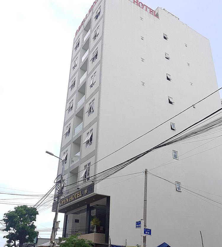 Khách sạn nơi xảy ra vụ việc.