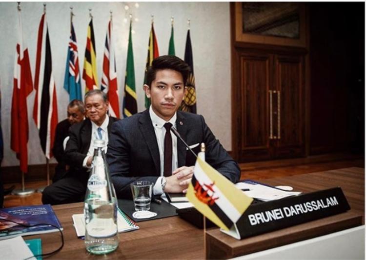 Yaya Urassaya lọt mắt xanh của hoàng tử Brunei có sở thích nuôi hổ và giàu nhất thế giới