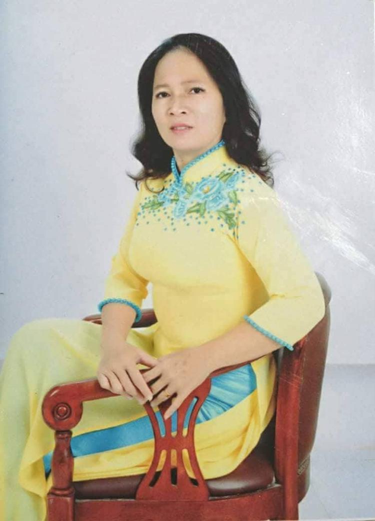 Bức hình Ngọc My chụp lại hồ sơ của mẹ được cô lưu lại trong điện thoại. Ảnh: NVCC.