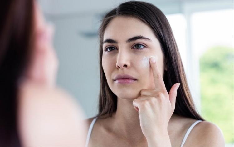 Đừng để phải đến khi da báo động, bạn mới nhận ra rằng mình đang lạm dụng các sản phẩm chăm sóc da.