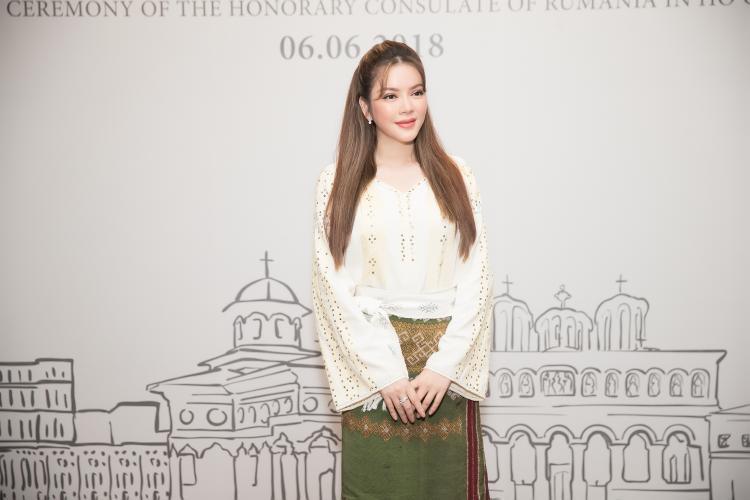 Lý Nhã Kỳ xuất hiện sang chảnh, nổi bật bên dàn sao Việt tại sự kiện