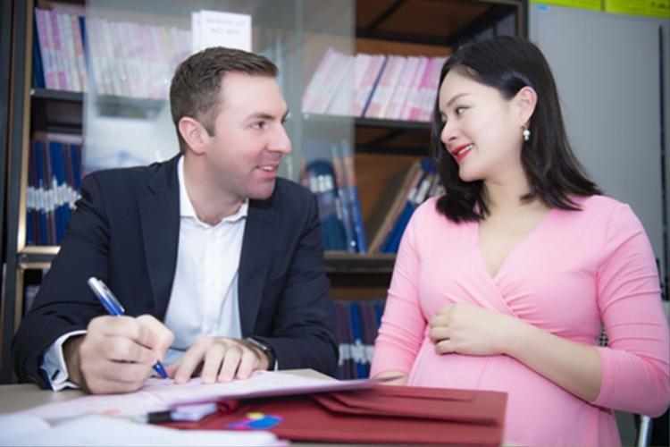 Vợ chồng Lan Phương đăng ký kết hôn hôm 14/5.