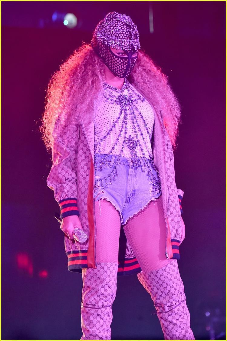 Vợ chồng Beyoncé chính thức ra trận  Reputation Tour đã có đối thủ xứng tầm!