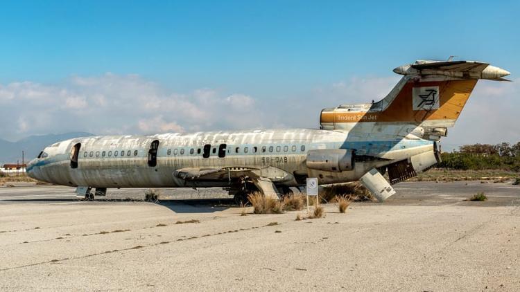 Sân bay ma ở Địa Trung Hải bỏ hoang 44 năm