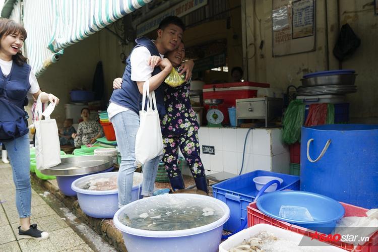 Trấn Thành đi chợ và khoảnh khắc xin bất chấp tại Khi đàn ông mang bầu