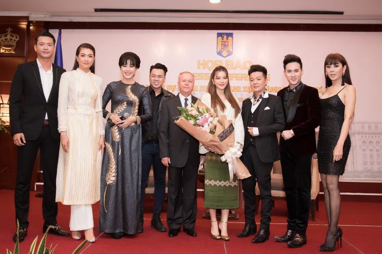 Lý Nhã Kỳ, Vũ Hà và Lâm Khánh Chi trong sự kiện vừa qua.