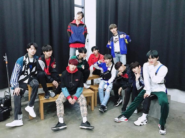 Vì vậy, nhiều người gọi nhóm với cái tên 'con trai Mnet'.