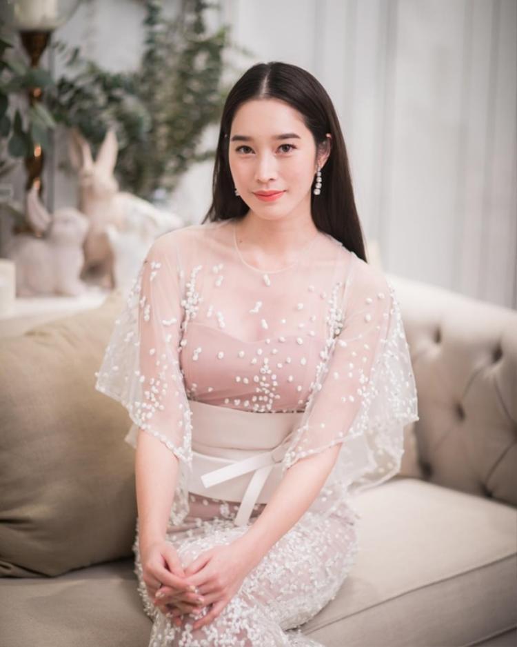 Nhiều mọt phim Thái cảm thấy Thisa Varitthisa có nét giống với hoa hậu Đặng Thu Thảo.